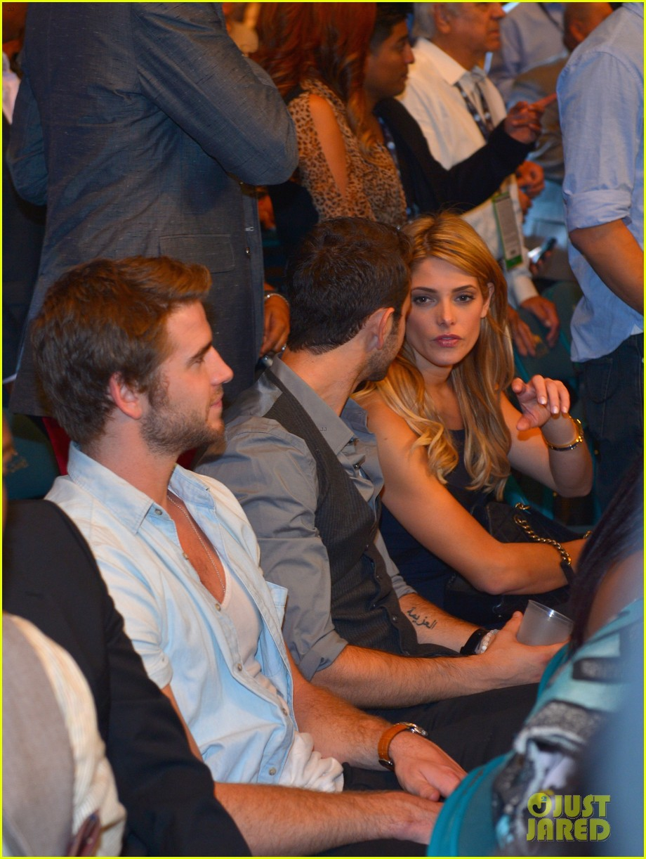liam hemsworth hung out with ashley greene amid split 022953612