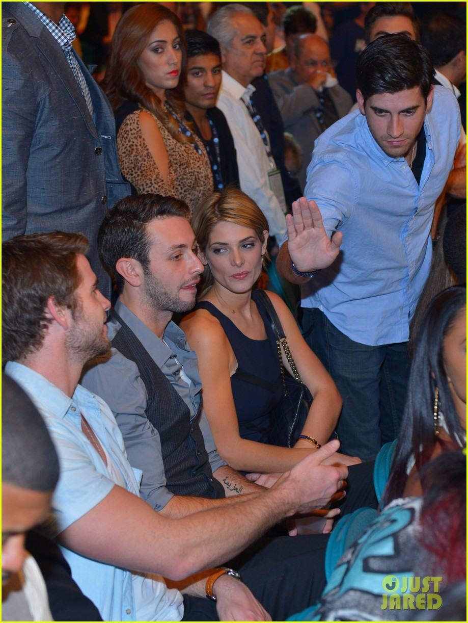 liam hemsworth hung out with ashley greene amid split 04