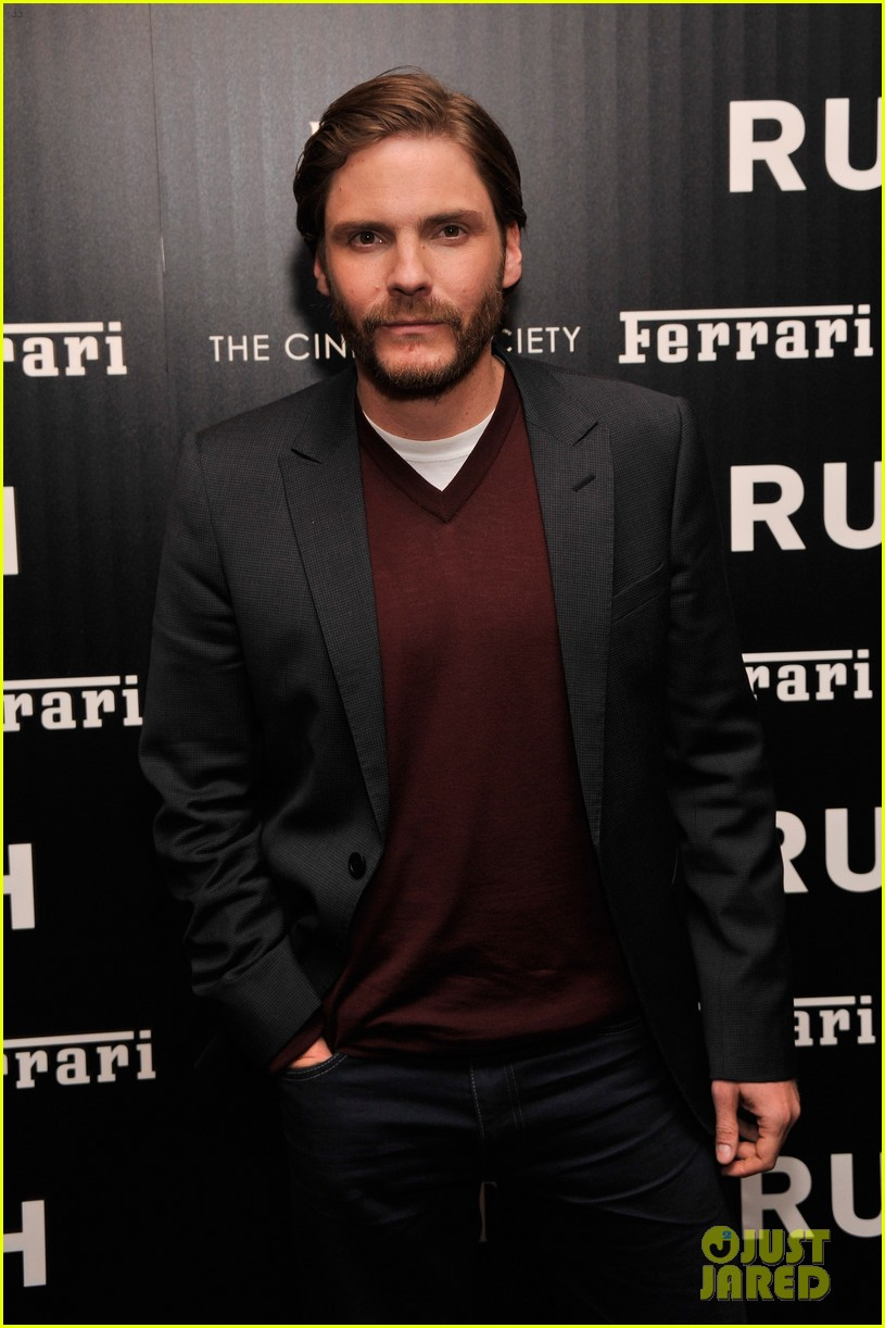 chris hemsworth daniel bruhl rush new york screening 032954864