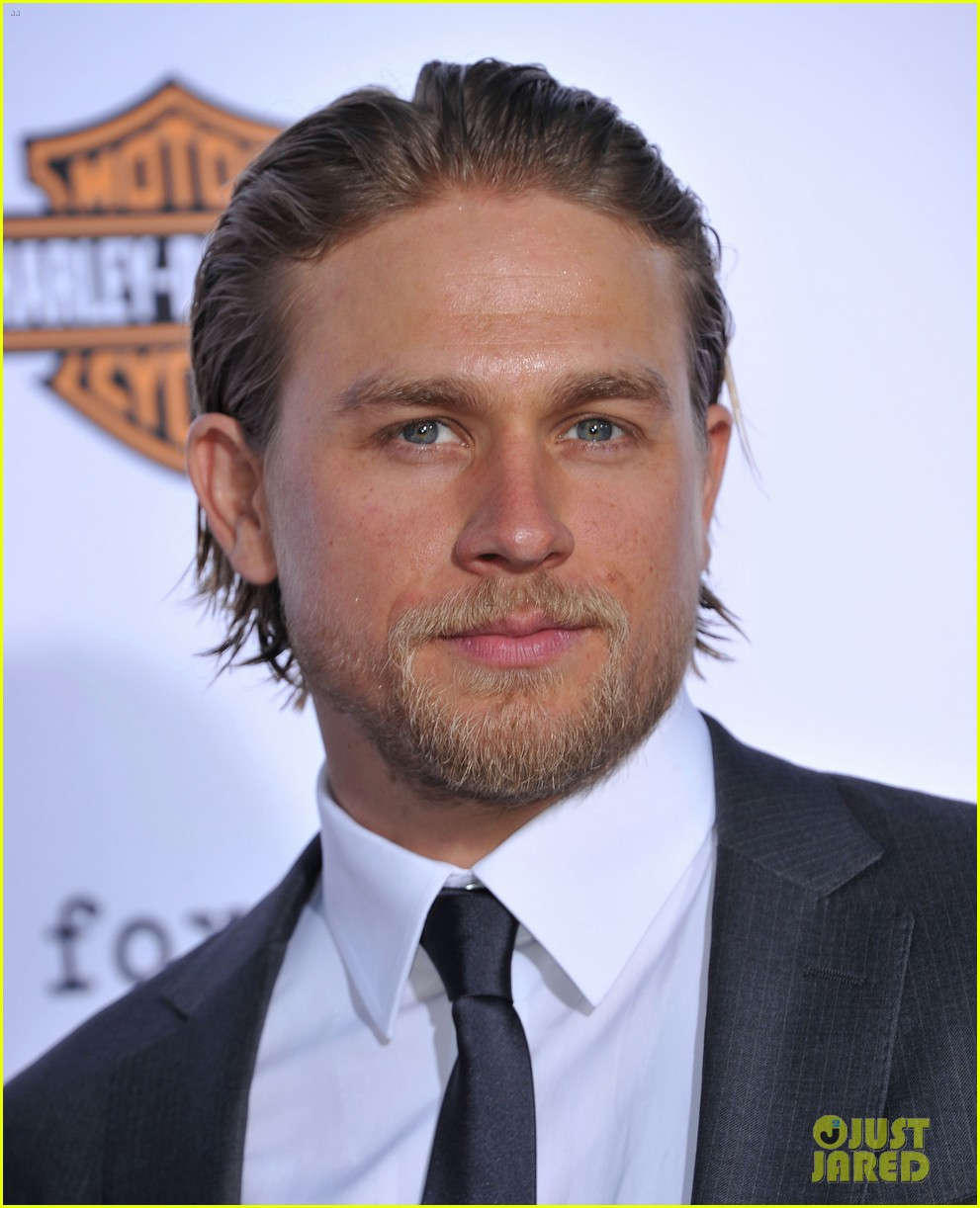 charlie hunnam talks fifty shades of grey for first time 07