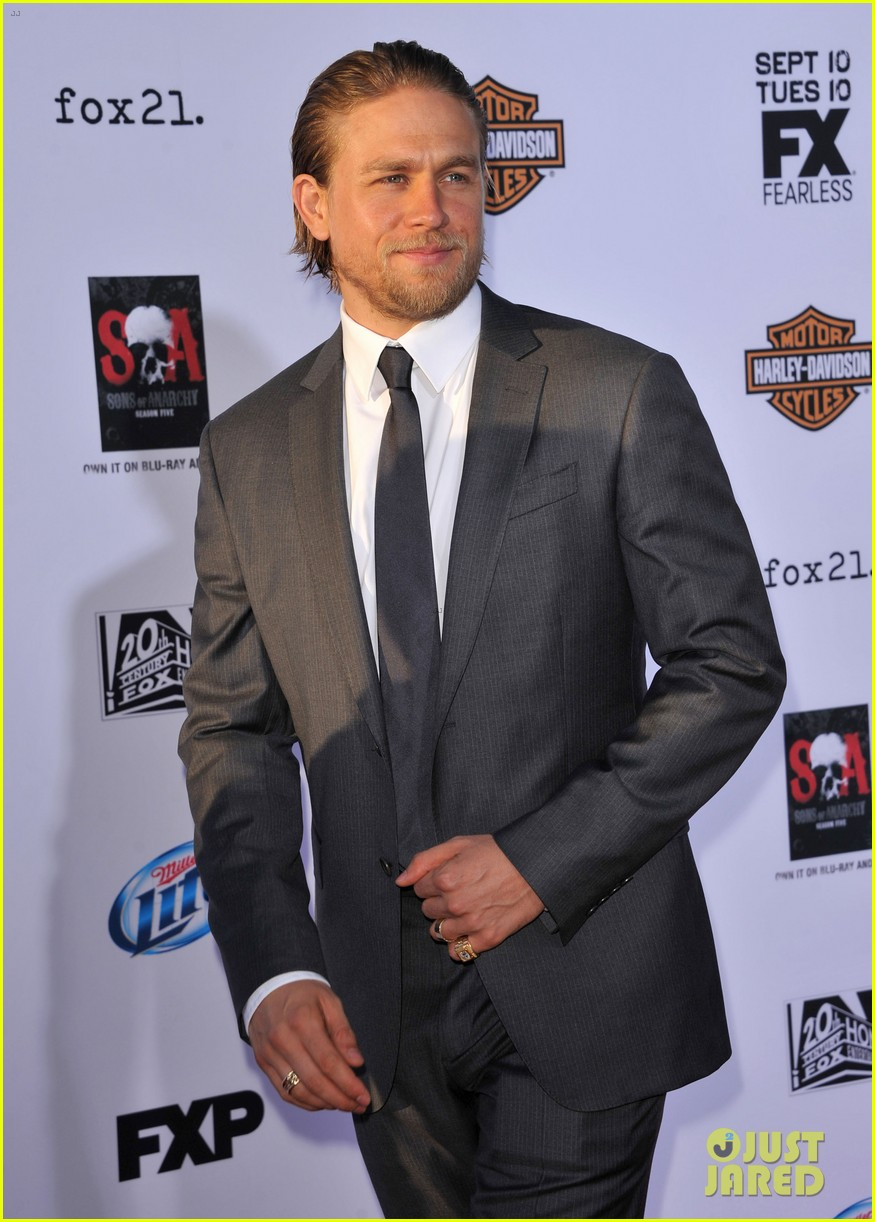 charlie hunnam talks fifty shades of grey for first time 102946543