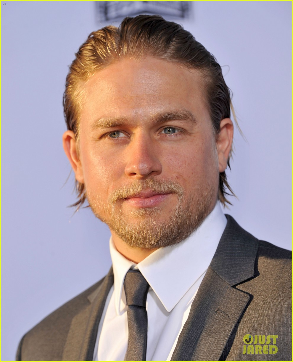 charlie hunnam talks fifty shades of grey for first time 16
