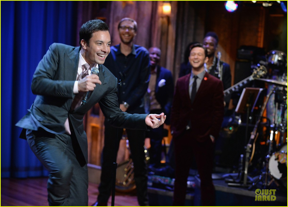 joseph gordon levitt lip synching contest on fallon 11