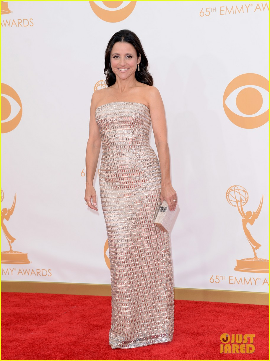 julie louis dreyfus emmys 2013 red carpet 05