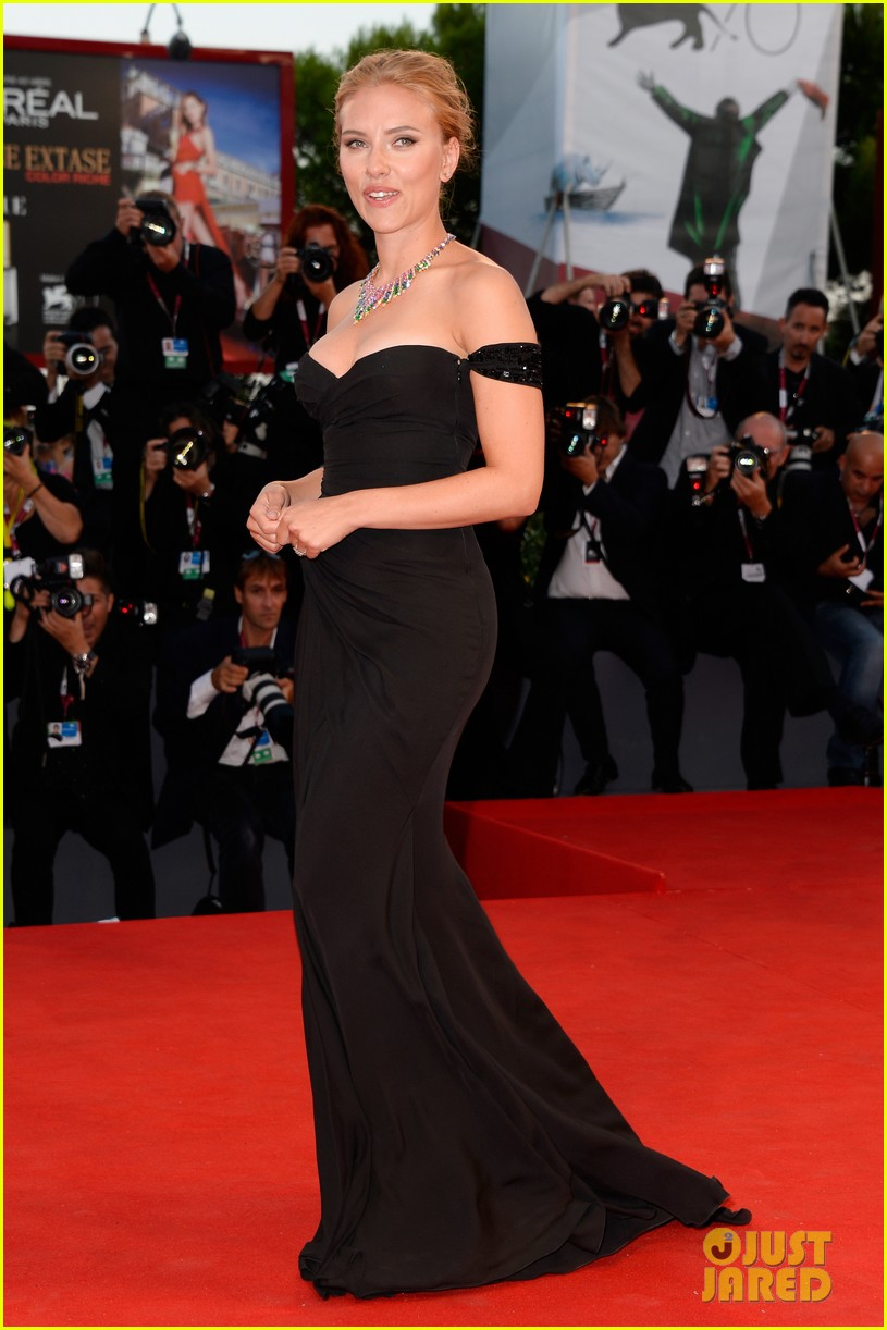 scarlett johansson under the skin venice premiere 07