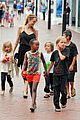 angelina jolie kids visit the sydney aquarium 45