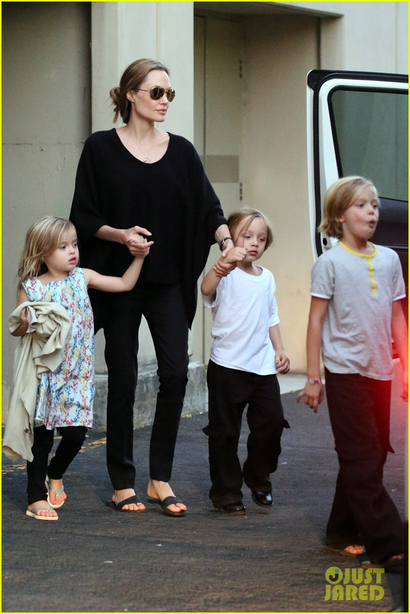 angelina jolie goes bowling in australia with all six kids 05