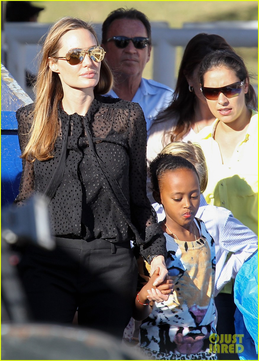 angelina jolie circus fun with the kids 25