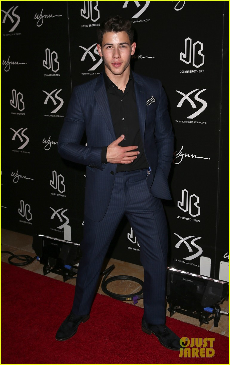 jonas brothers celebrate nicks 21st birthday at xs 052953292