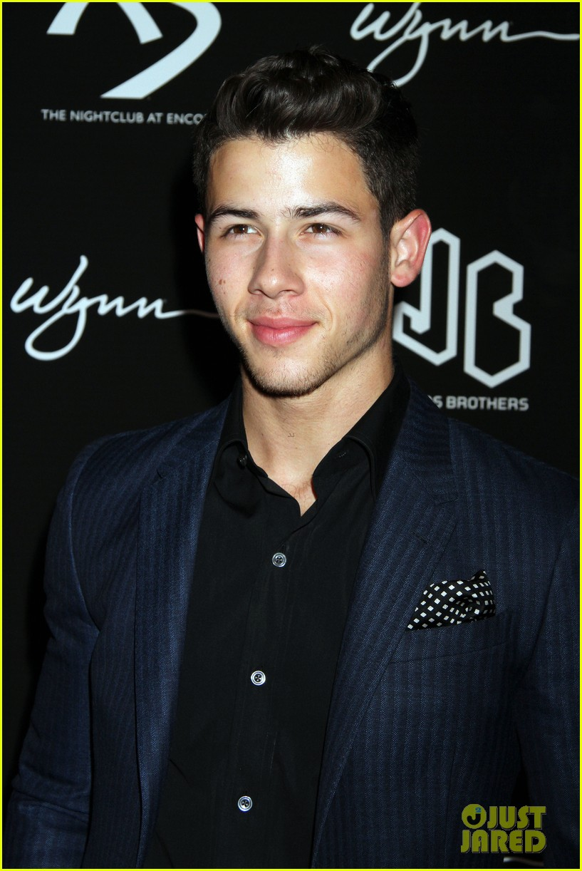 jonas brothers celebrate nicks 21st birthday at xs 19
