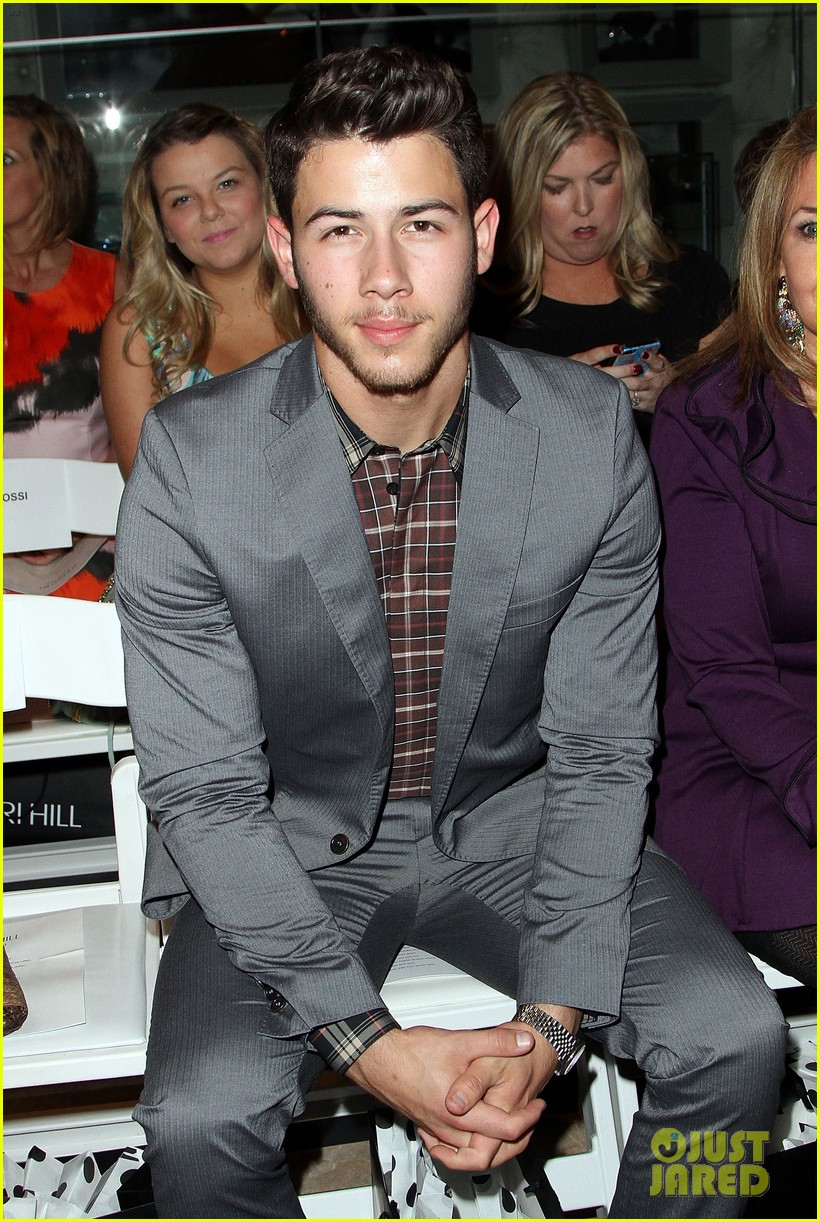 nick jonas connor cruise evening by sherri hill show 02