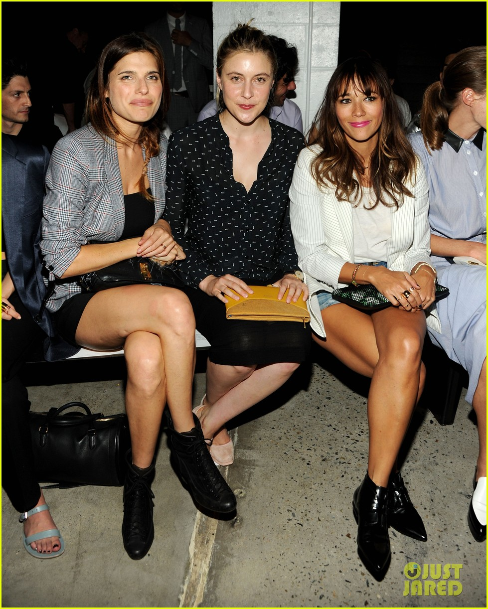 rashida jones lake bell band of outsiders fashion show 032948019