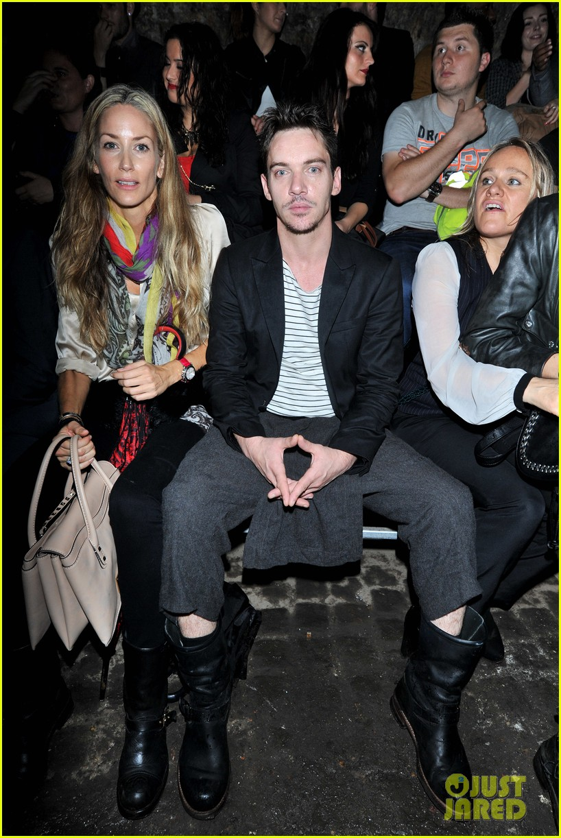 jonathan rhys meyers conchita perez fashion show 032952492