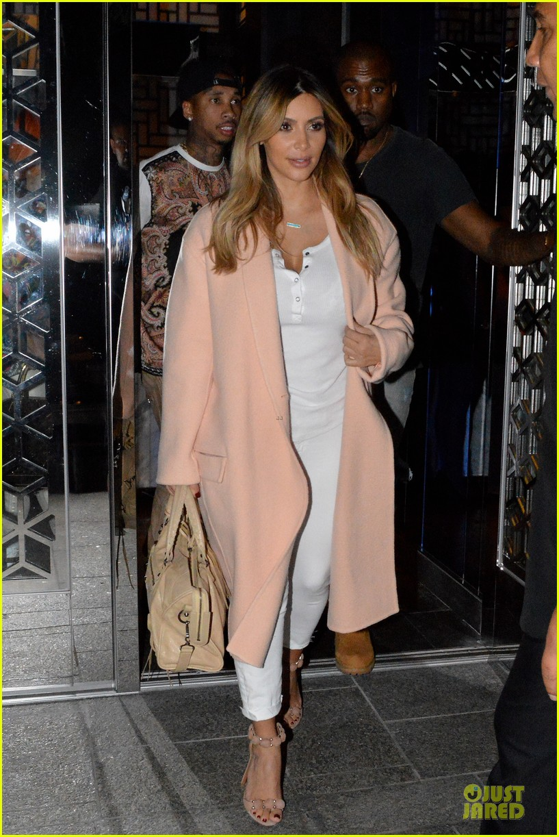 kim kardashian sports blond hair for dinner with kanye west 032956491