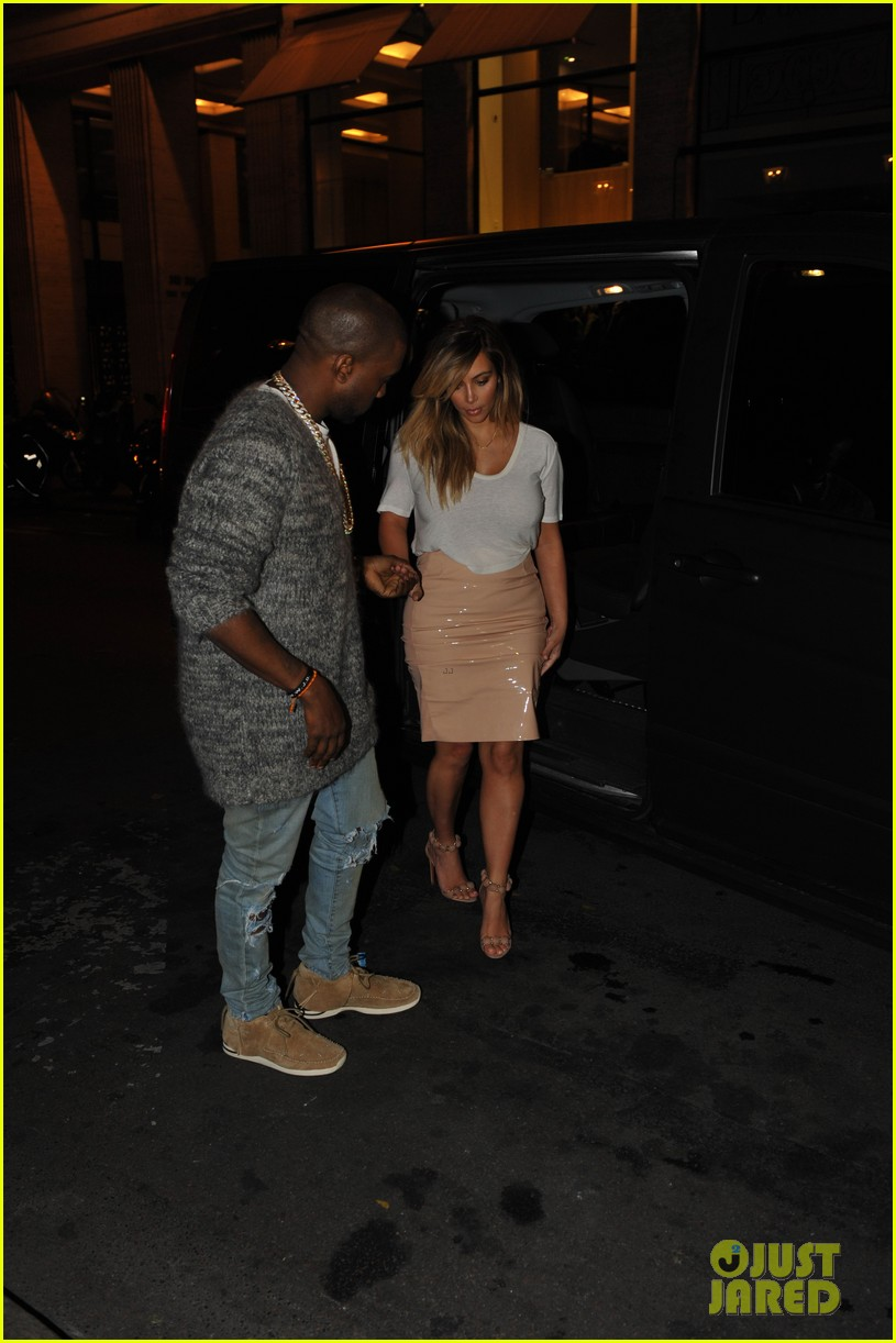 kim kardashian kanye west parisian dinner date 102963312