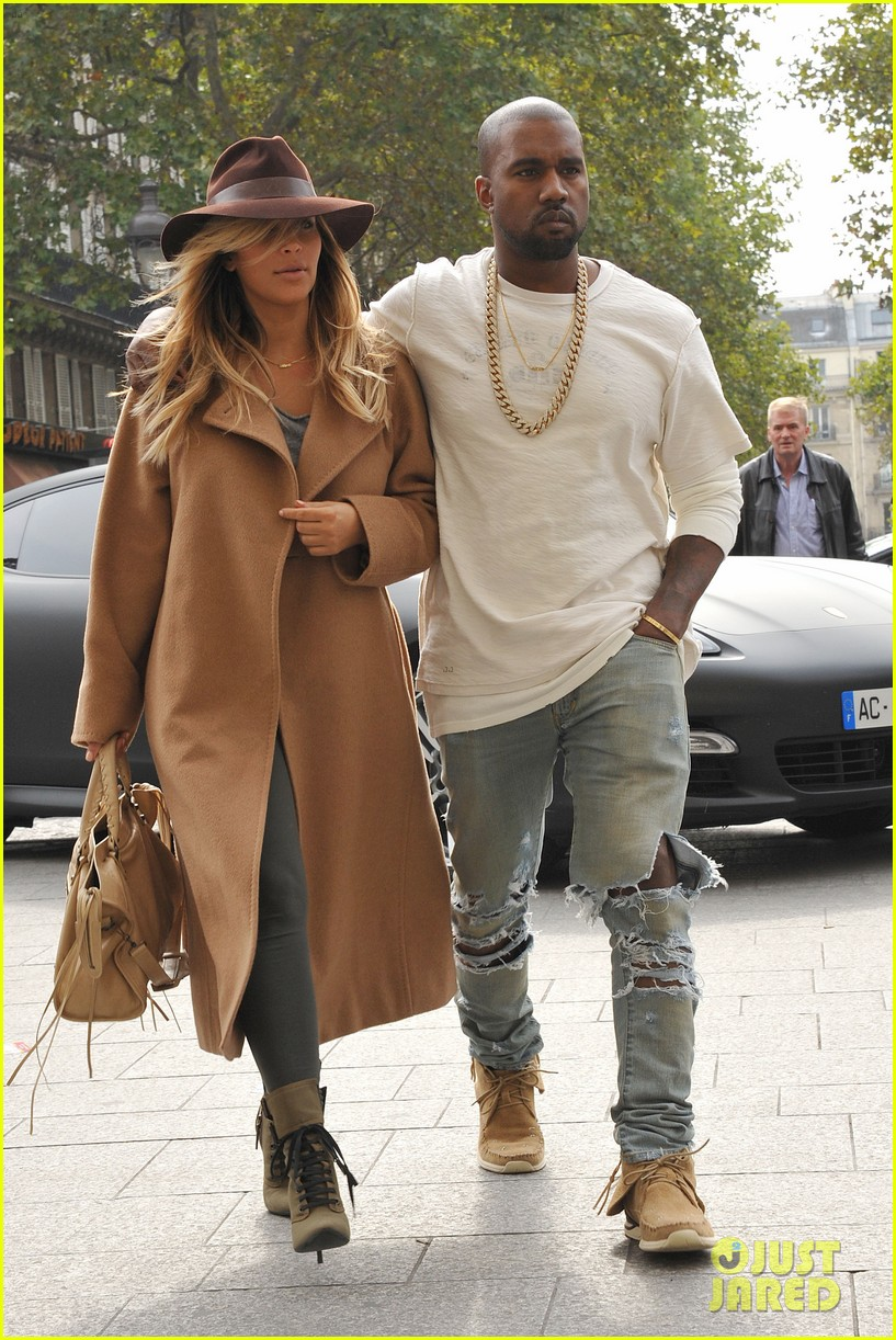 kim kardashian kanye west step out together in paris 23