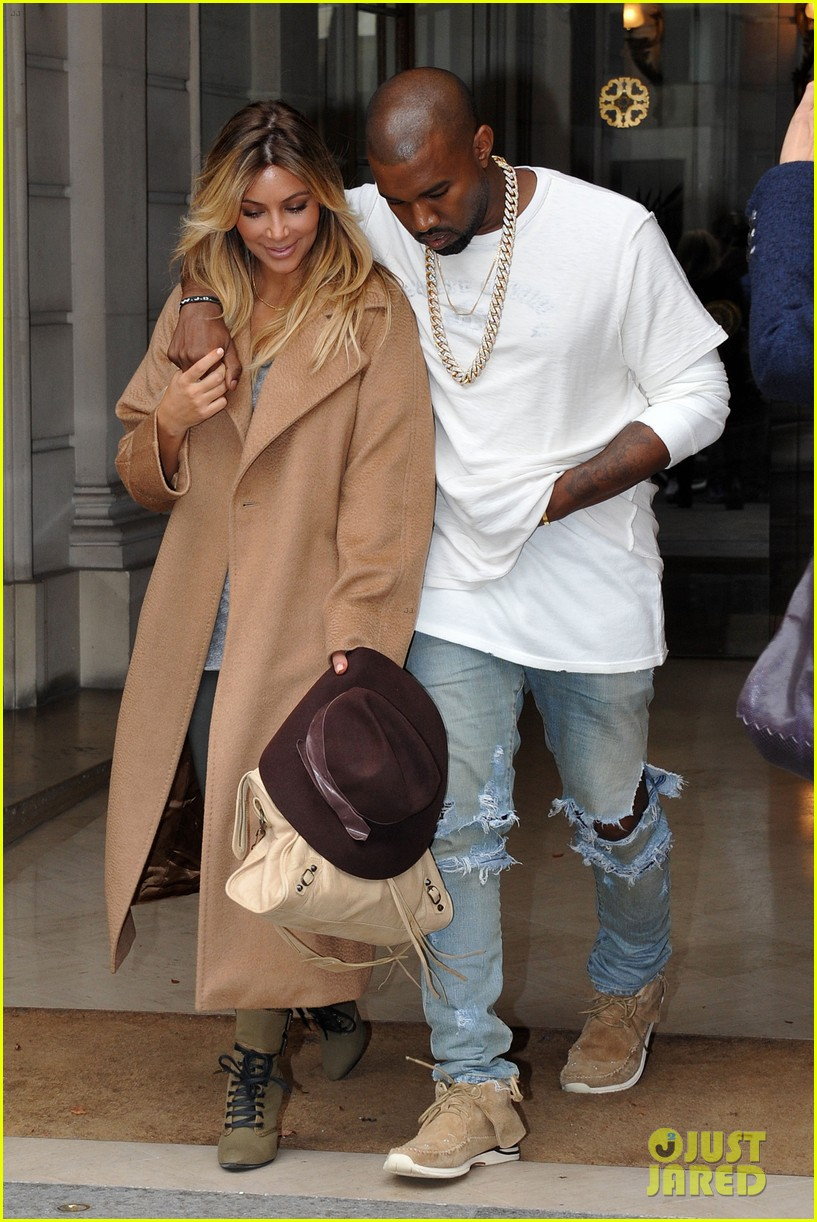 kim kardashian kanye west step out together in paris 30