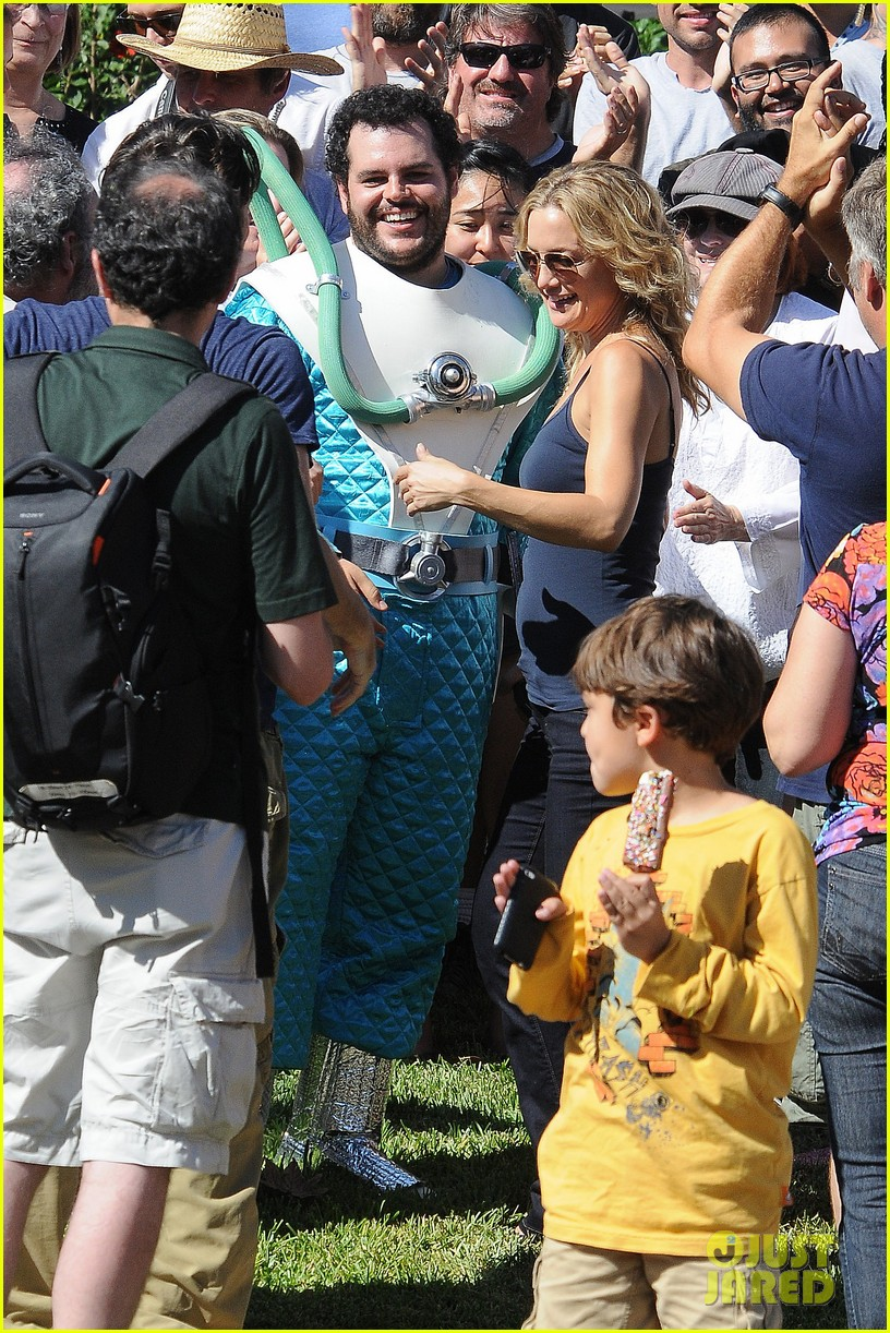 kate hudson zach braff wrap wish i was here 222946884