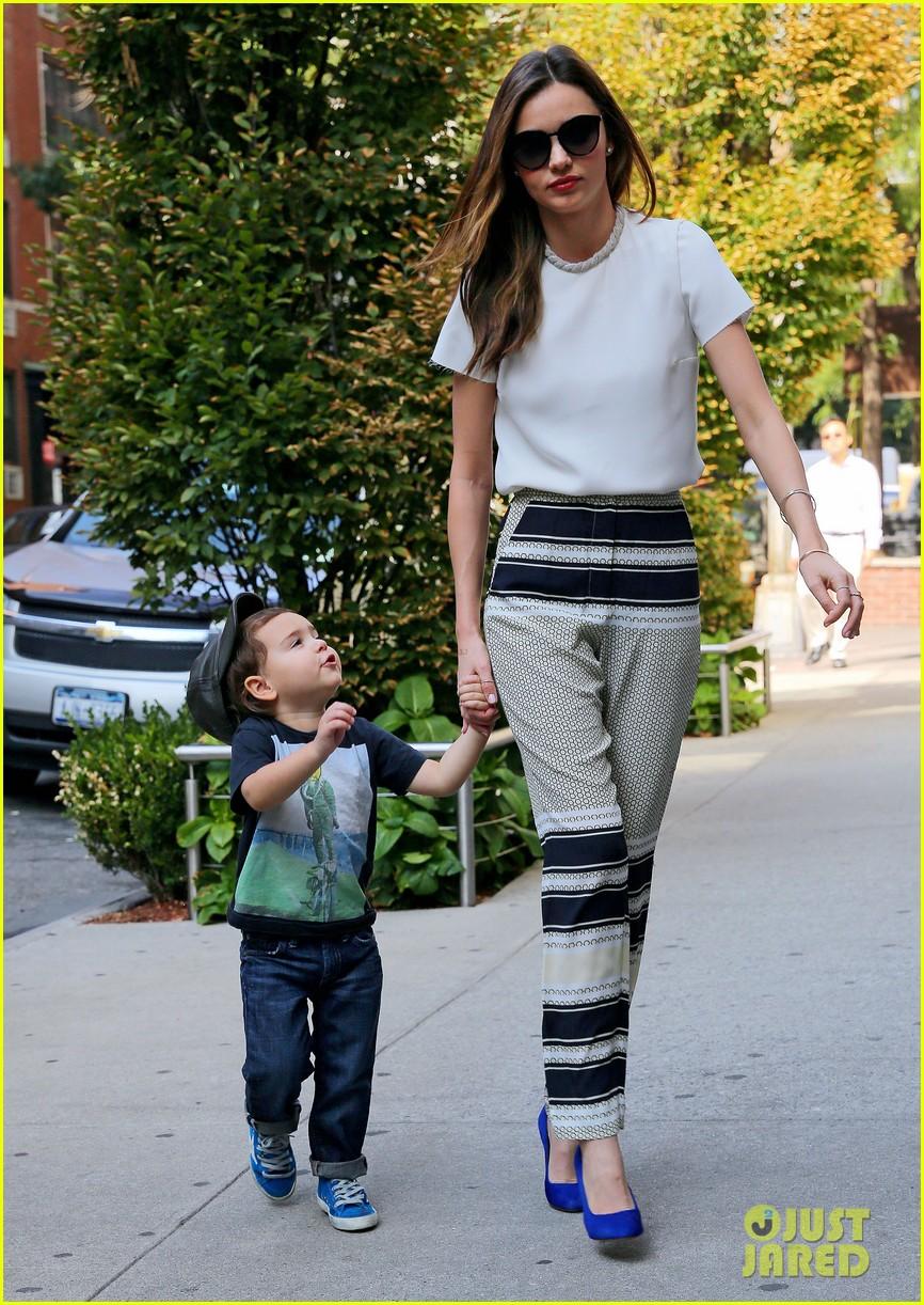 miranda kerr flynn wear matching blue shoes 03