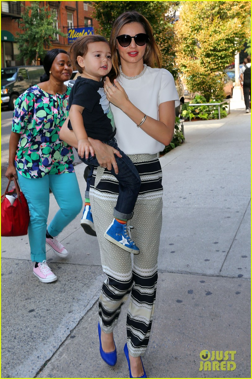 miranda kerr flynn wear matching blue shoes 05