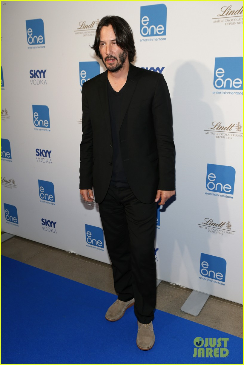 taylor kitsch keanu reeves variety entertainment one party 04