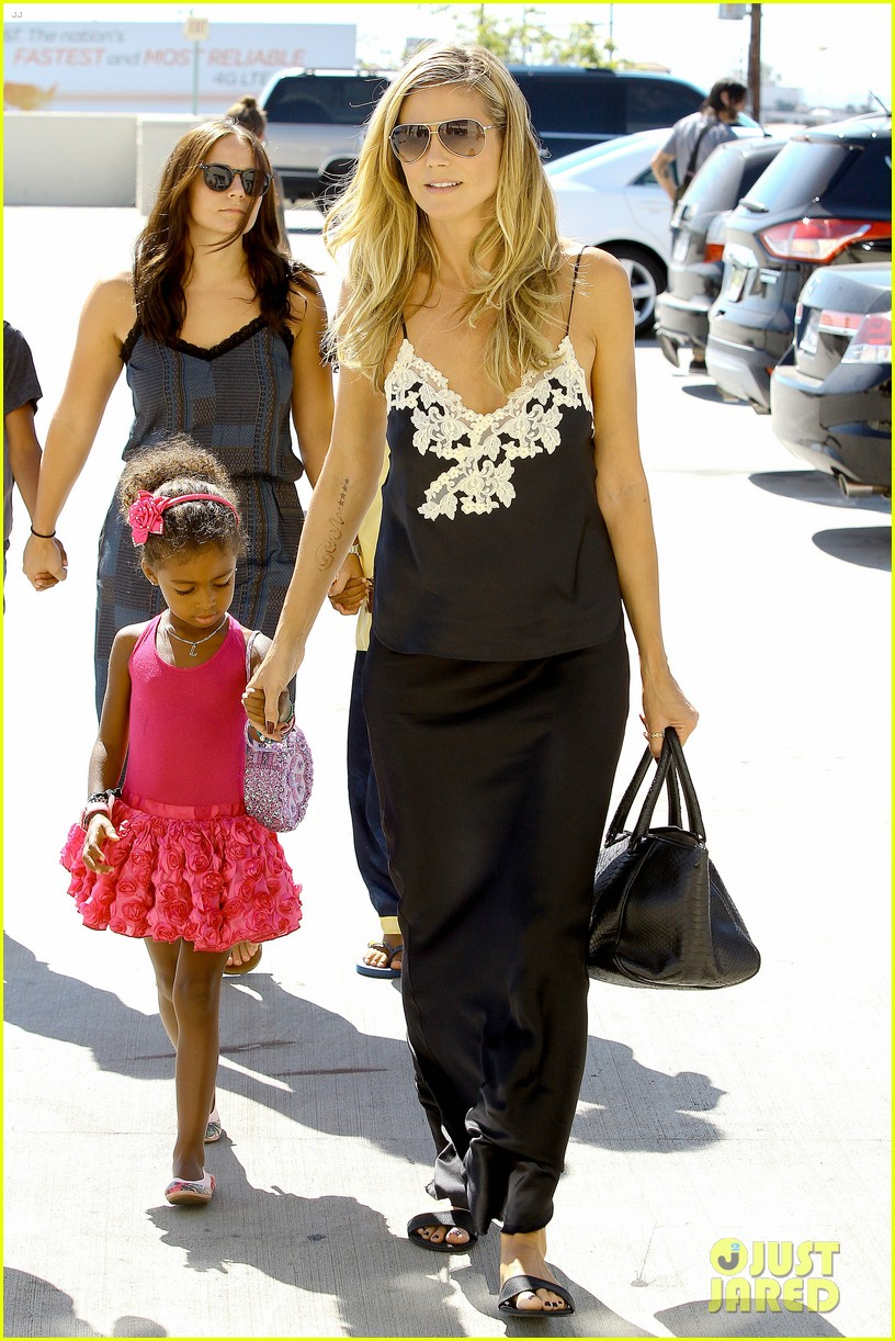 heidi klum martin kirsten soho morning stroll couple 03