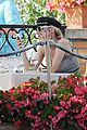diane kruger joshua jackson enjoy lunch date in venice 05