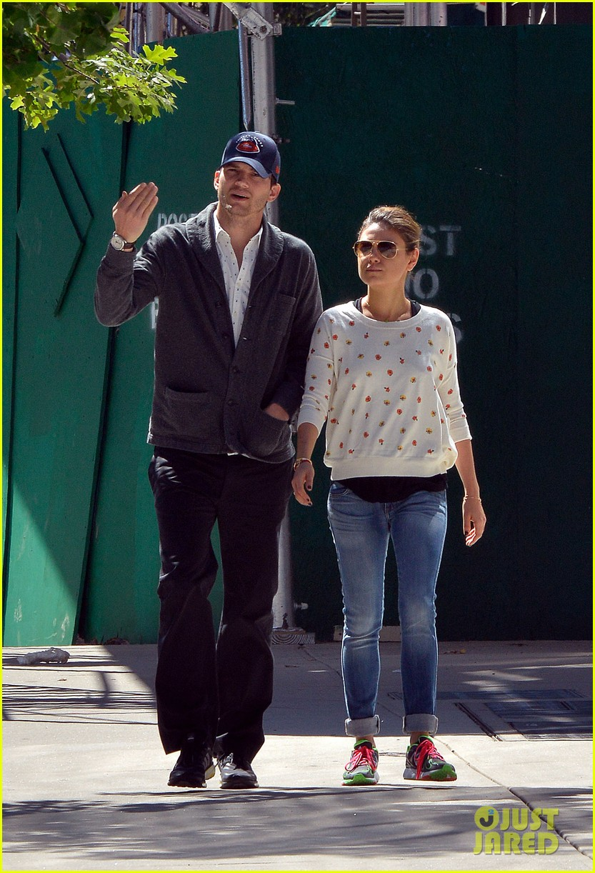 ashton kutcher mila kunis hold hands in the big apple 142955482