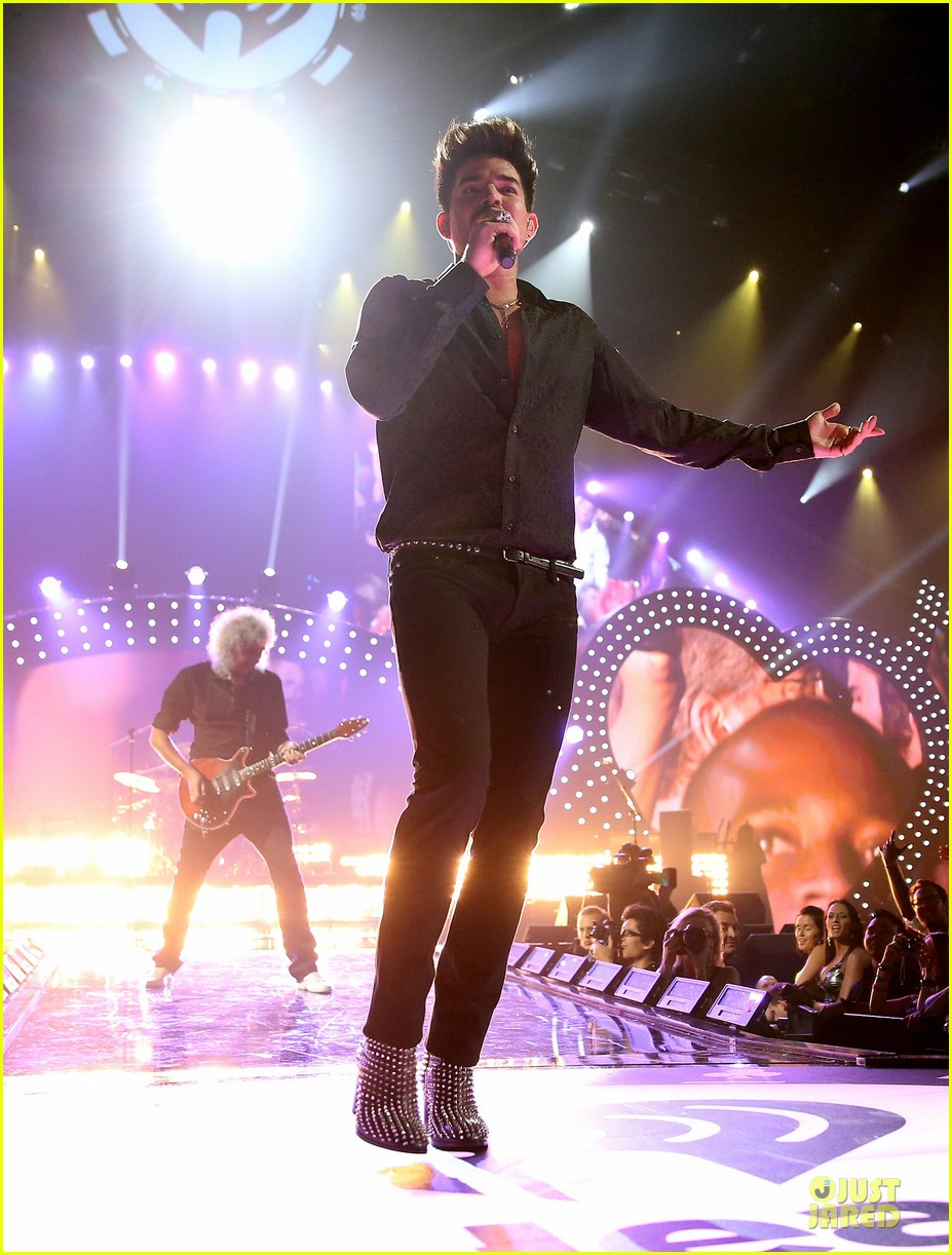 adam lambert iheartradio music festival with queen 05