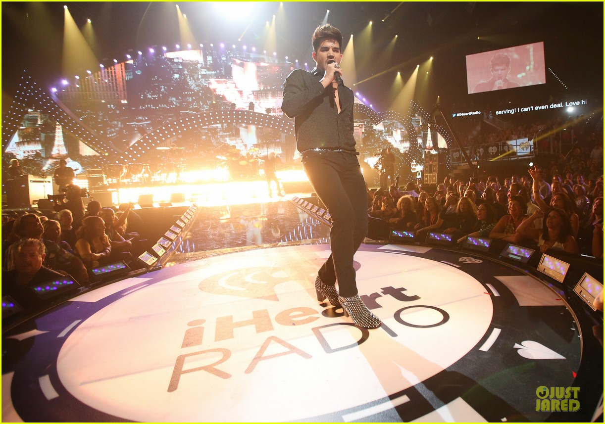 adam lambert iheartradio music festival with queen 132956586