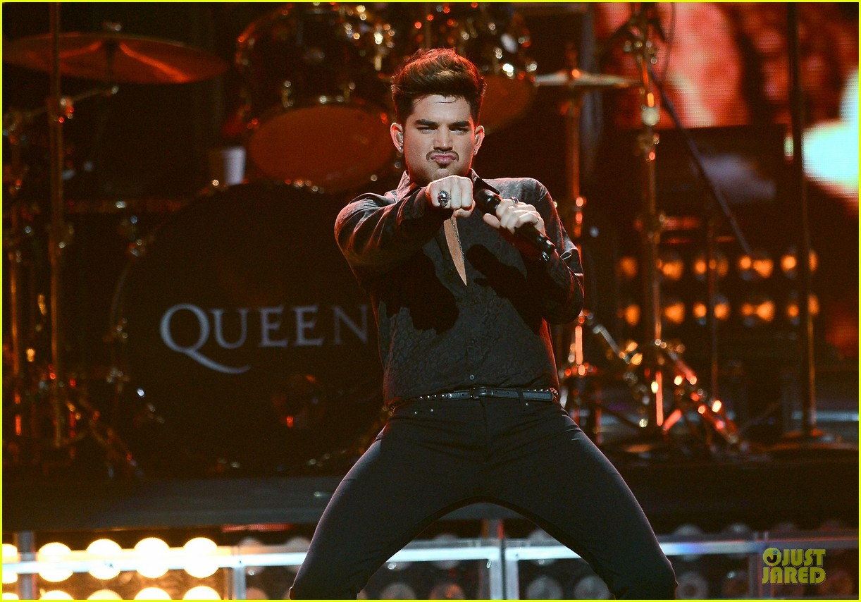 adam lambert iheartradio music festival with queen 172956590