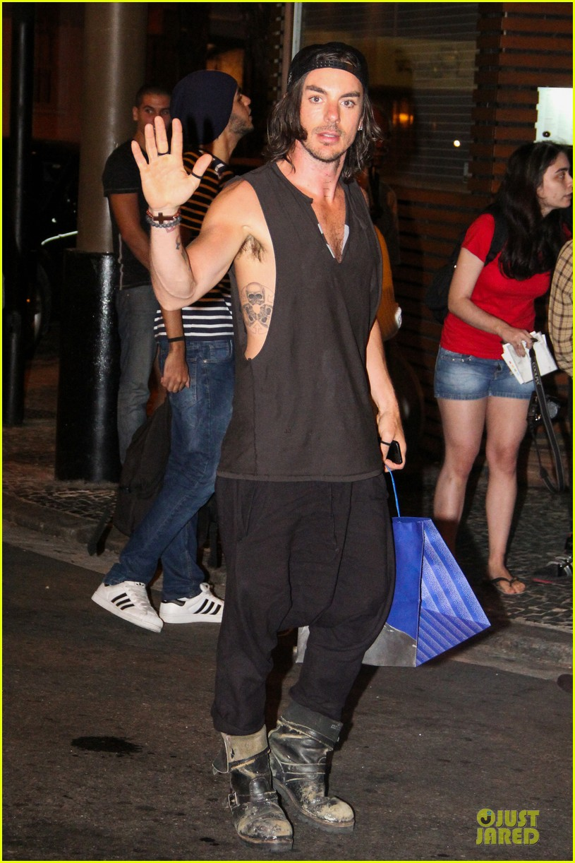 jared leto stops for fan photo op at sushi leblon restaurant 05