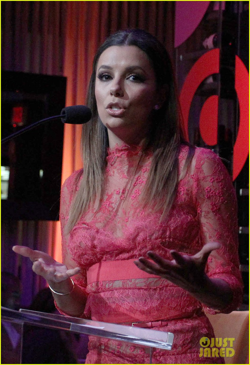 eva longoria attends her foundations dinner with friends 20