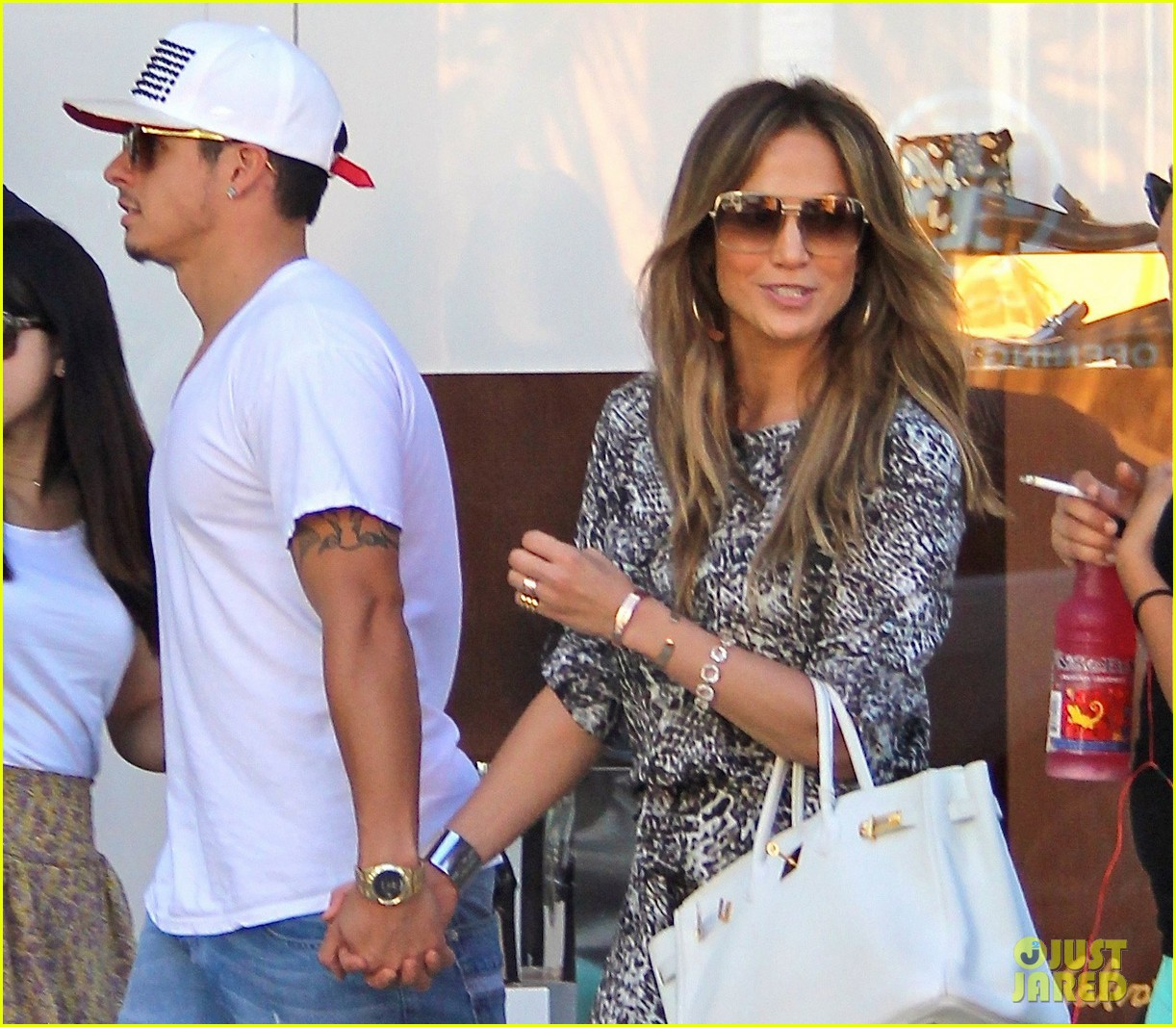 jennifer lopez casper smart hold hands for shopping trip 022954687