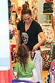 jennifer lopez shops with emme before idol auditions begin 21