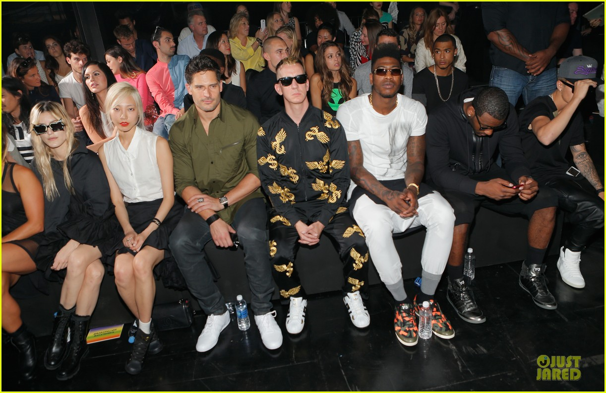 joe manganiello y 3 fashion show 092947817