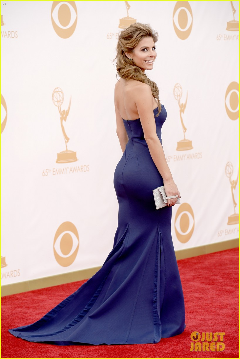 maria menounos mario lopez emmys 2013 red carpet 03