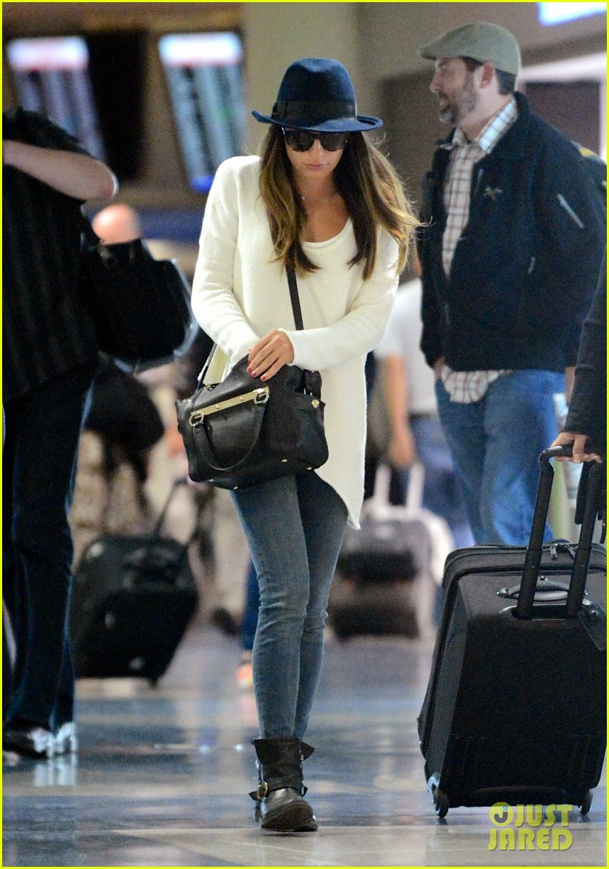 lea michele lands in los angeles after new york trip 01