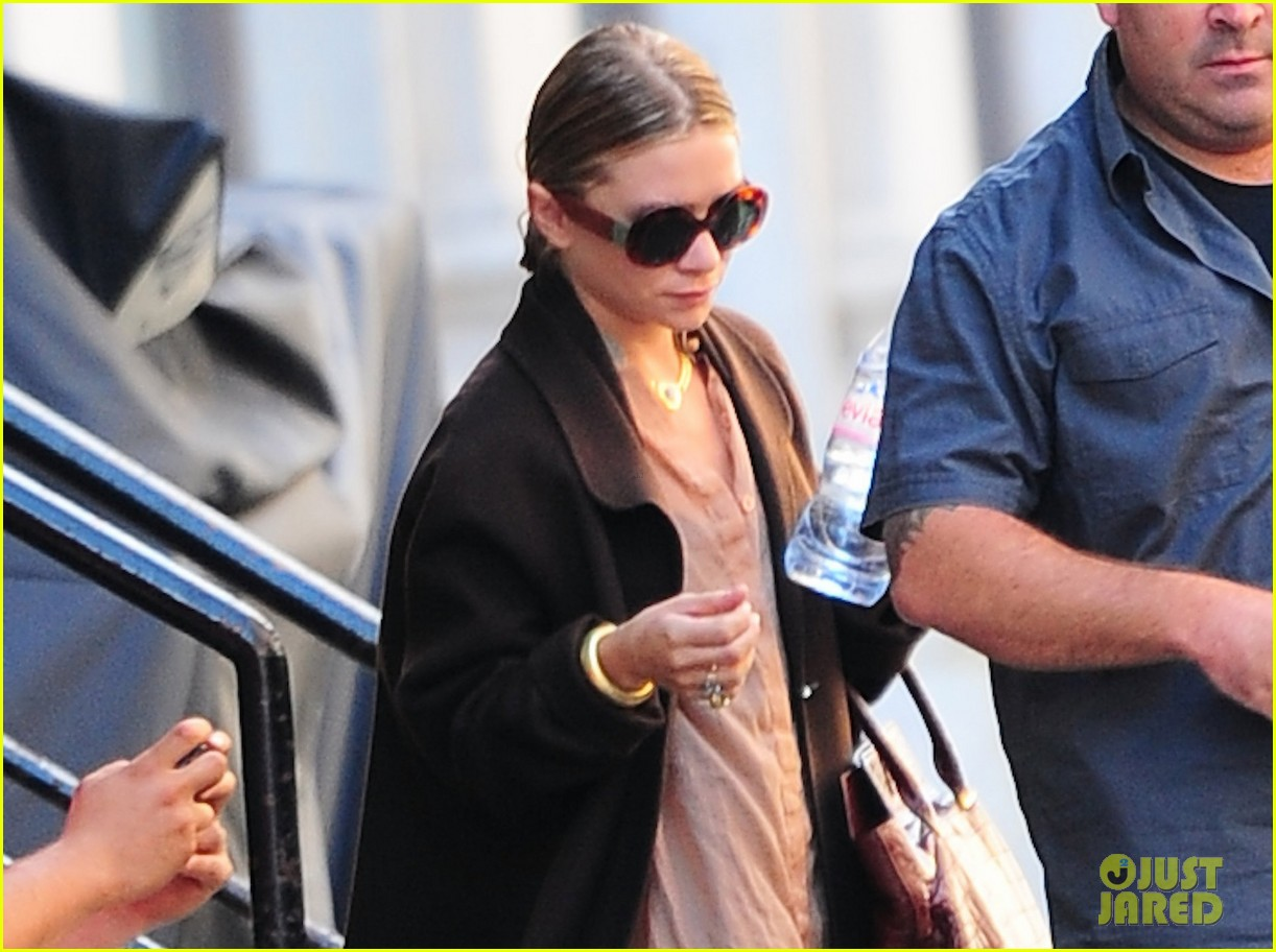 ashley olsen sports wet hair in the big apple 032961158