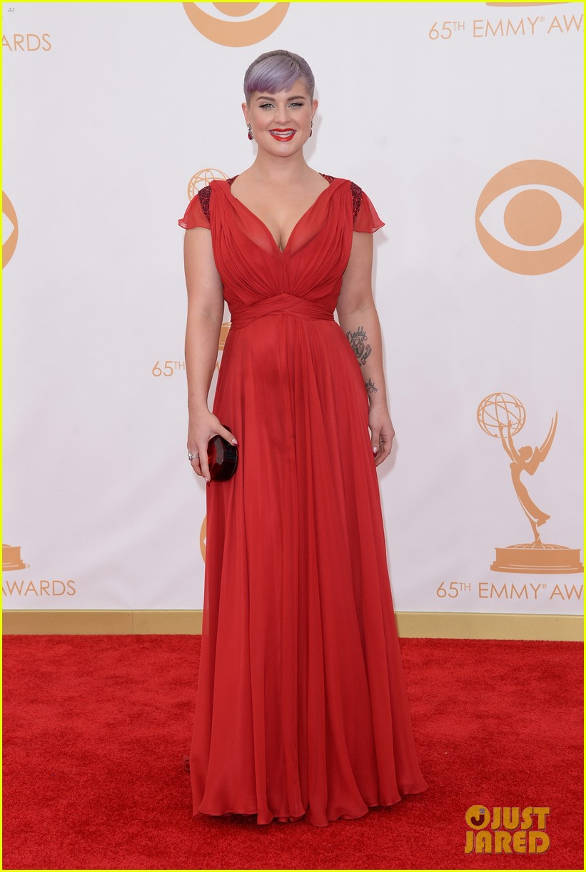 kelly osbourne giuliana rancic emmys 2013 red carpet 012957870