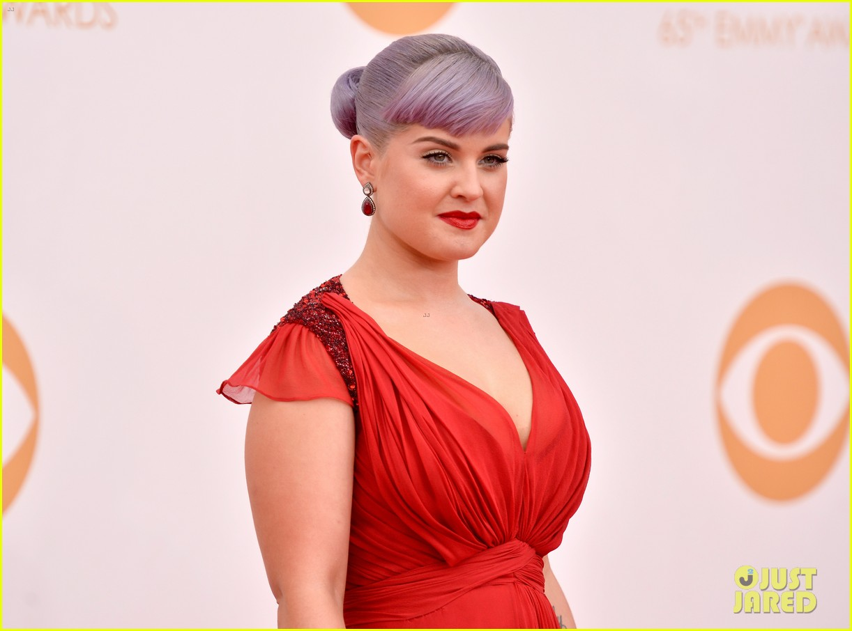 kelly osbourne giuliana rancic emmys 2013 red carpet 142957883