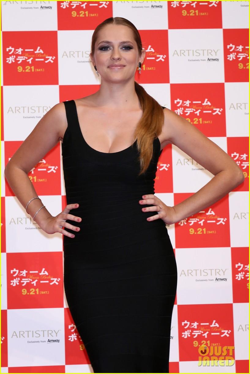 teresa palmer warm bodies japan premiere 09