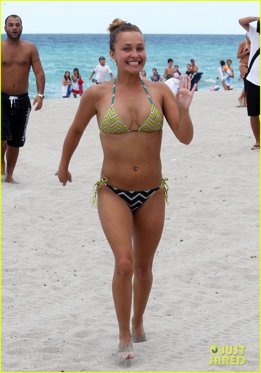 hayden panettiere bikini babe for labor day weekend 01