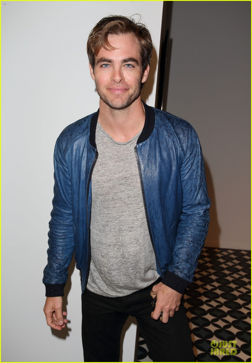 chris pine ppq fashion show in london 042951593