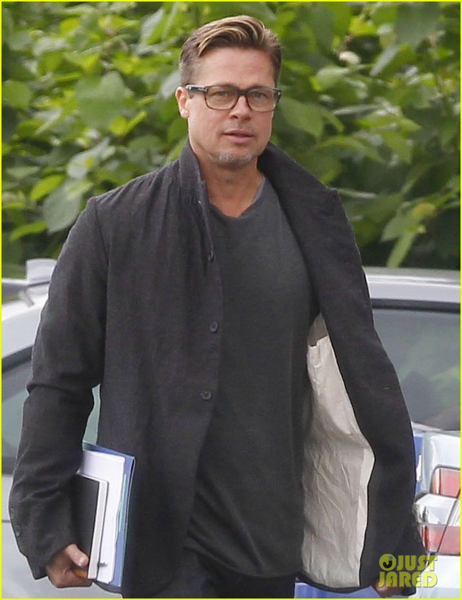 brad pitt shows off short sexy haircut 052953410