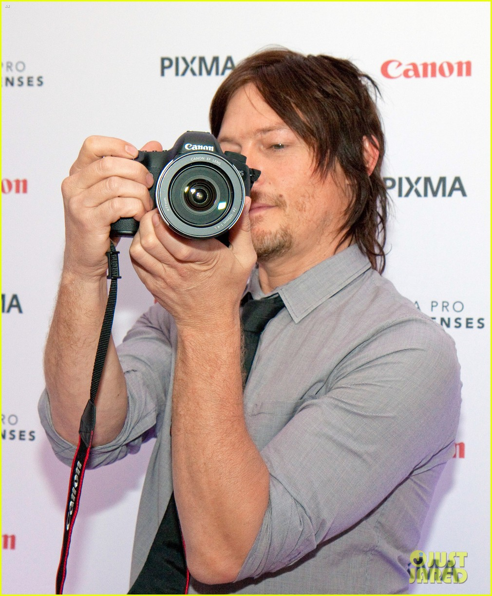 norman reedus canon pixma pro city senses gallery host 02
