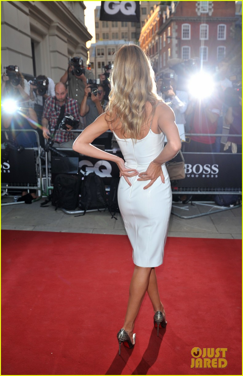 rosie huntington whiteley gq men of the year awards 2013 052943040