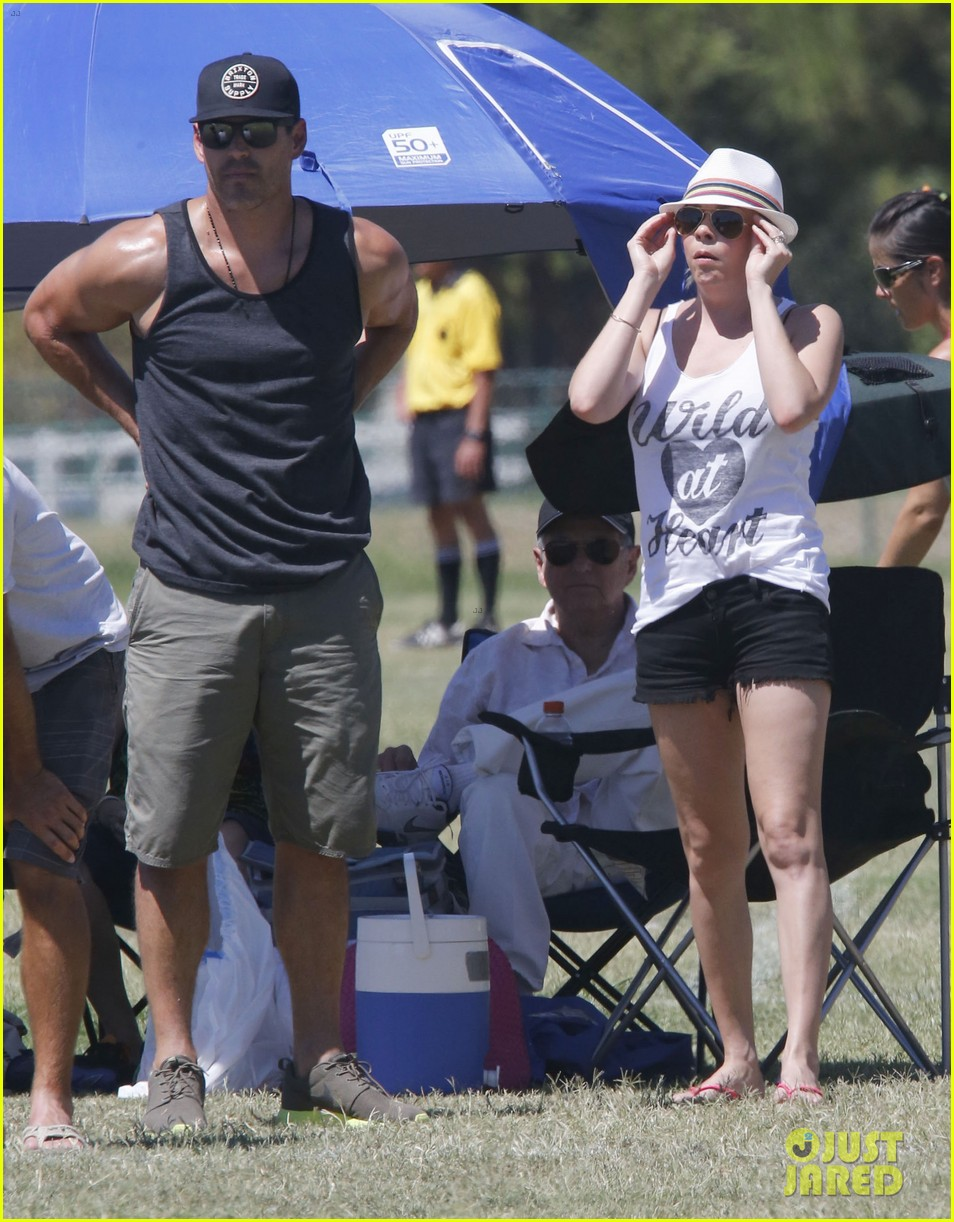 leann rimes eddie cibrian sweat it out at mason soccer game 09