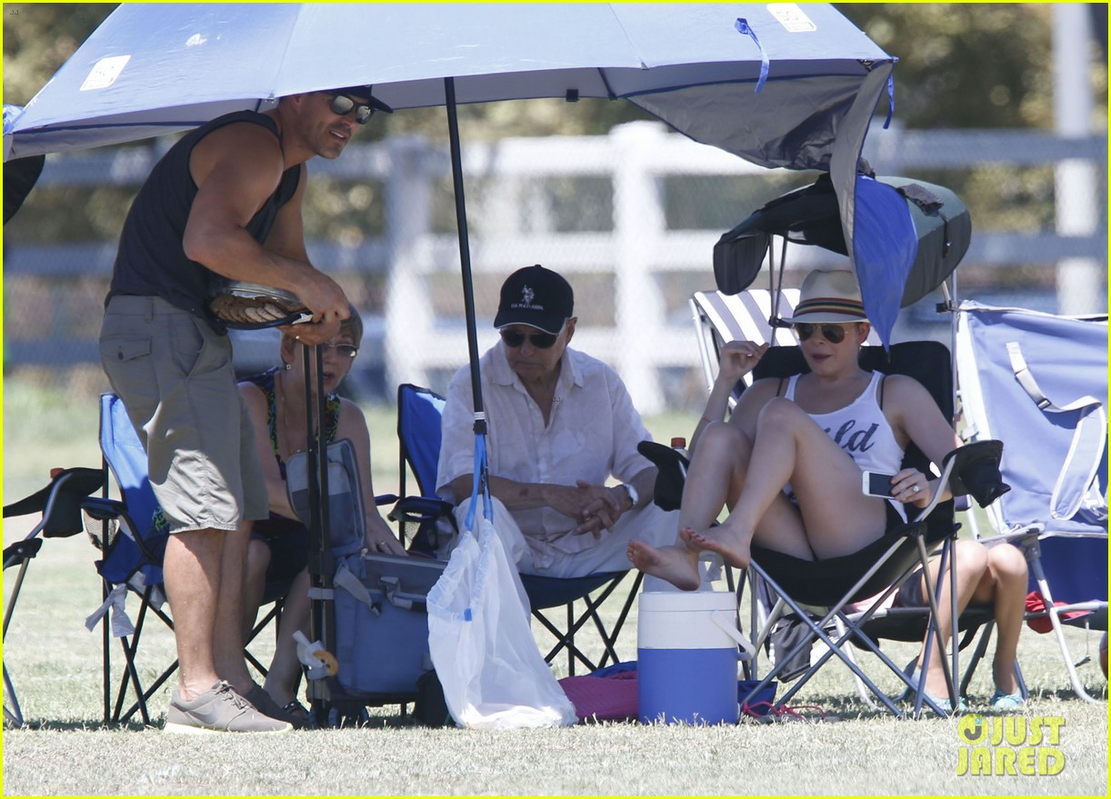 leann rimes eddie cibrian sweat it out at mason soccer game 12