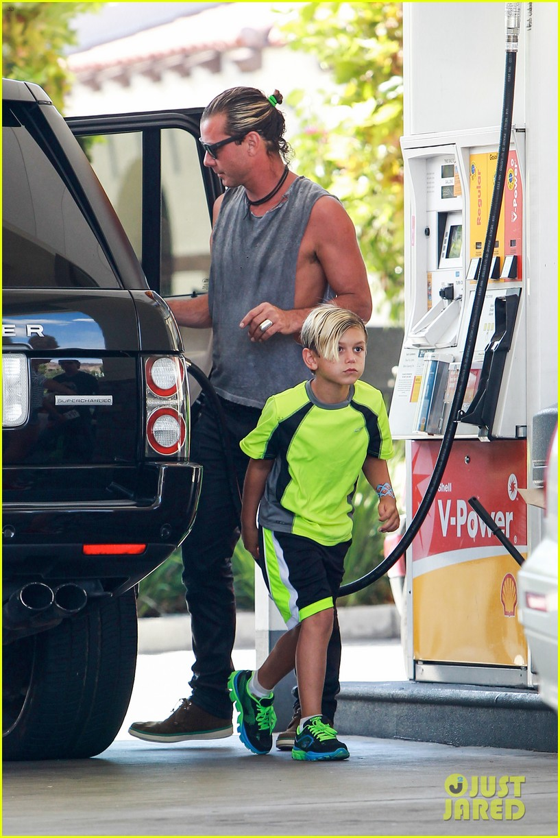 gavin rossdale malibu pit stop with the boys 09